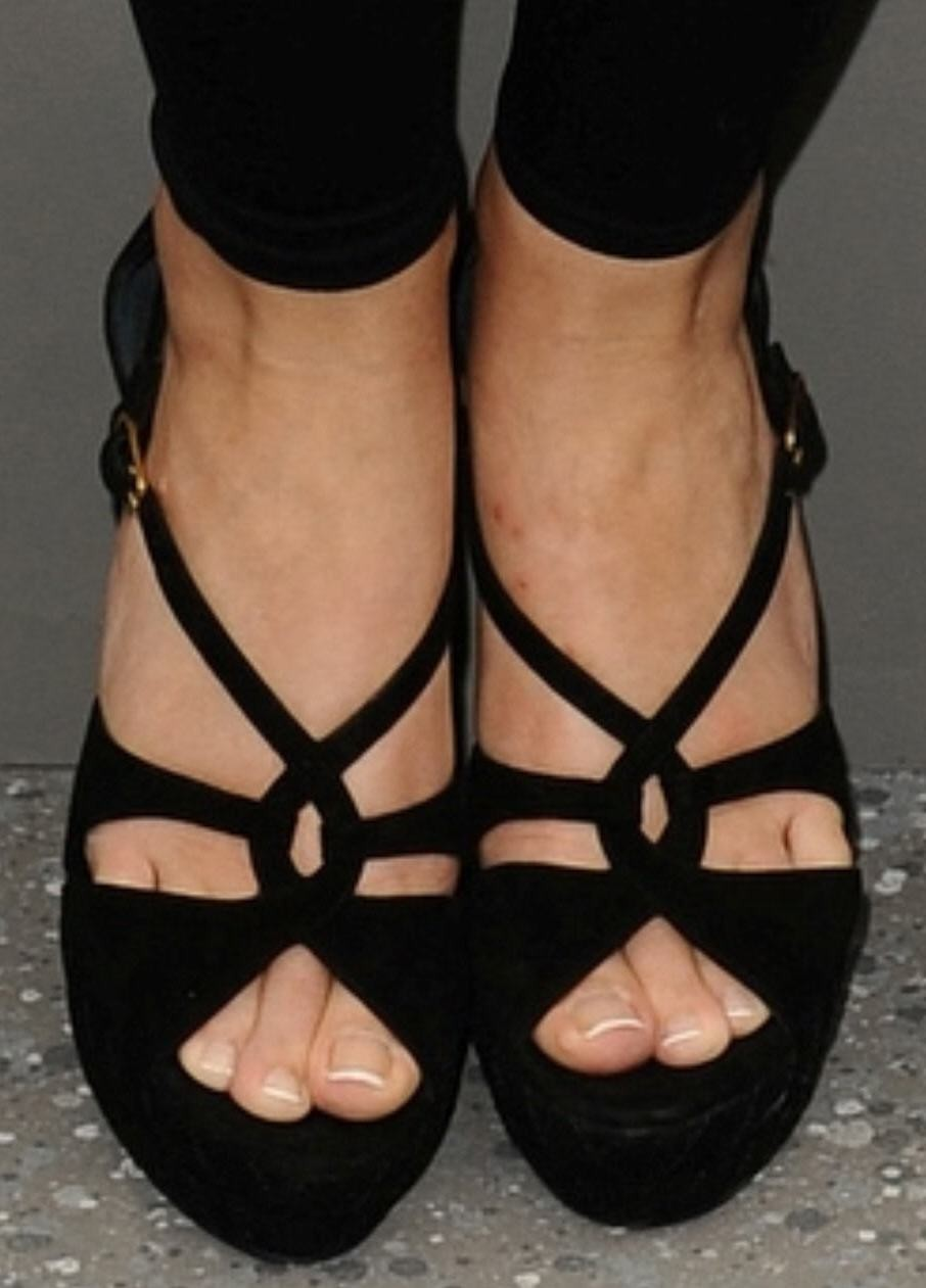 женские ножки в туфлях фото