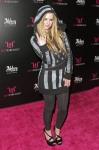 Avril-Lavigne-Feet-633560