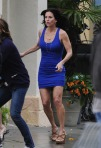 "Courteney Cox and Busy Phillips Face THe Rain For ""Cougar Town""!"