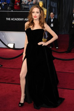 Angelina-Jolie-Feet-1251231