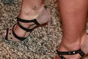 Bruna-Marquezine-Feet-1973492